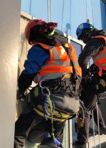 Dynamic Access Commercial Glazing Services Industrial Abseiling JPG 001